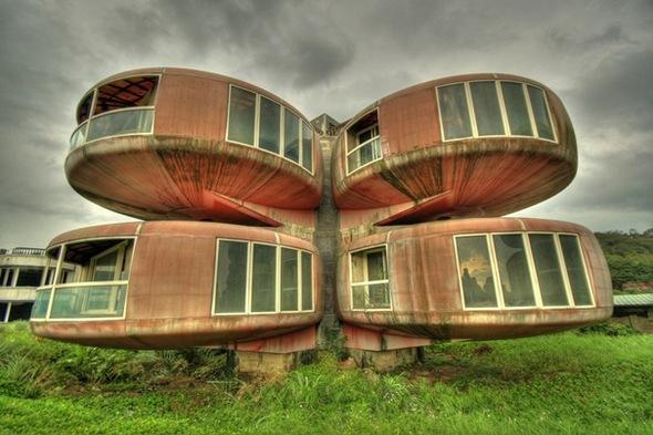 Незвичайні і дивовижні будинки світу (ФОТО)