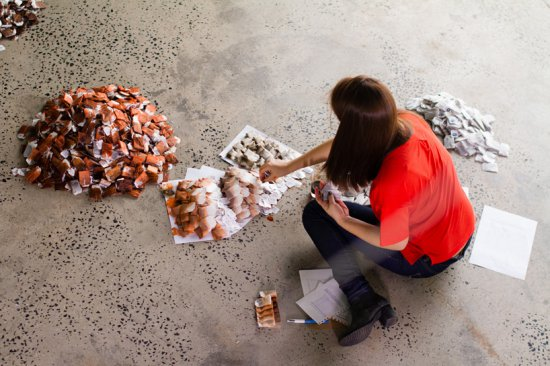 Ця жінка зібрала 20000 чайних пакетиків. Коли я зрозумів причину, то був у нестямі від захоплення!(ФОТО + ВІДЕО)