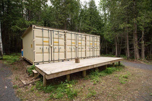 Бюджетне чоловіче житло у лісі (ФОТО)