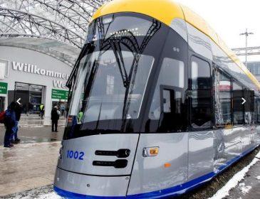 """""""Розумний трамвай майбутнього"""": у Польщі відбулася презентація нового траспортного засобу"""