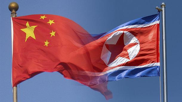 Китай погрожує залишити КНДР без нафти
