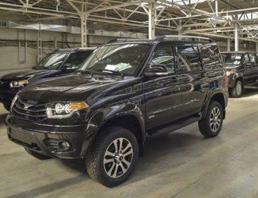 Українці активно скуповують російські автомобілі