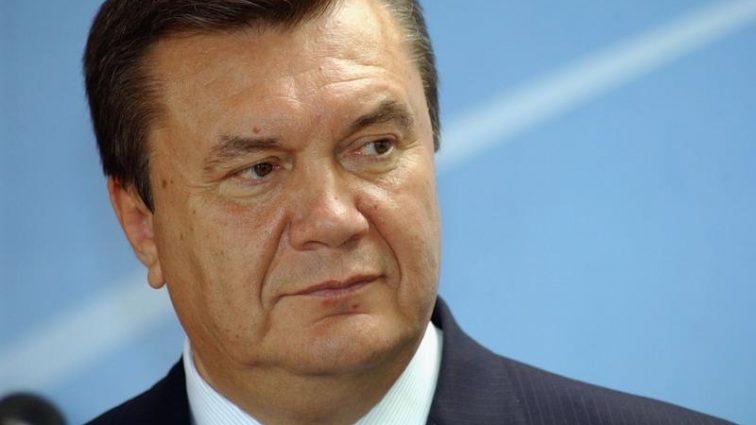 """""""Легітимний"""" любитель страусів  подав у суд на голову Ощадбанку"""