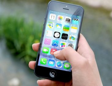 """Apple """"побила"""" Samsung з продажу смартфонів"""