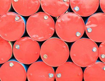 """Ціни на нафту ростуть, але експерти чекають нового """"провалу"""""""