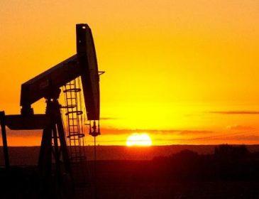 Влада Росії чекає на дорогу нафту