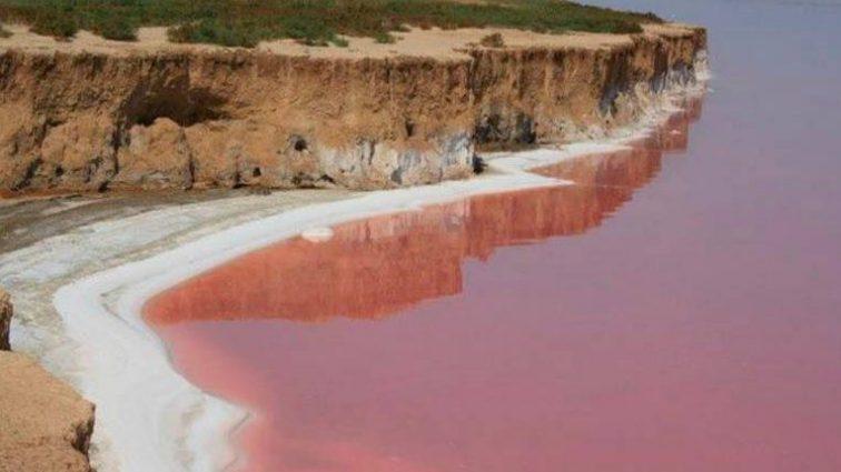 А ви знали?В Україні є Червоне море з цілющою водою