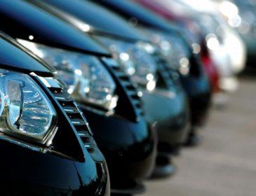 Новий удар для автомобілістів: Влада намагається повернути старий податок!