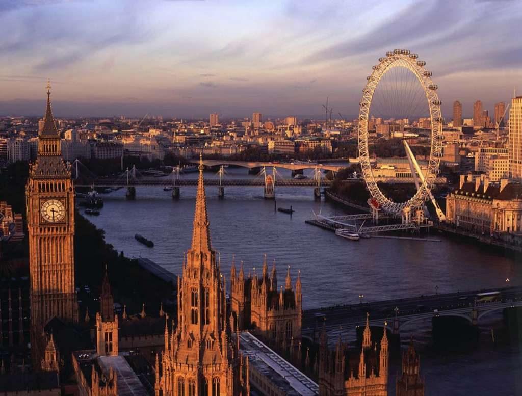 Вид_с_Victoria_Tower,_Лондон,_Великобритания