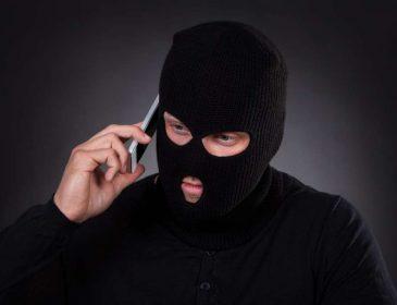Телефонні аферисти на сайтах з працевлаштування: Як знайти роботу і не стати жертвою шахраїв