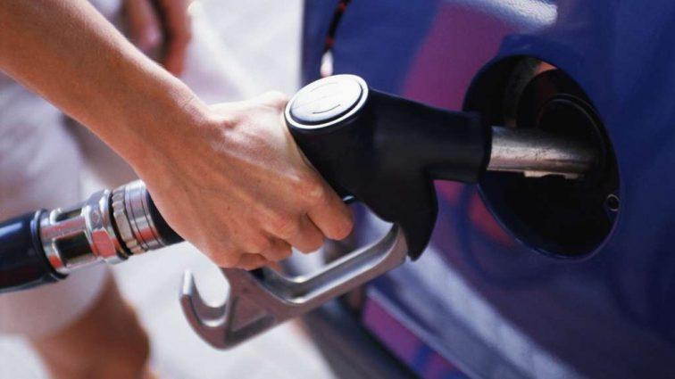 Не було з часів блокади: в Криму зник бензин