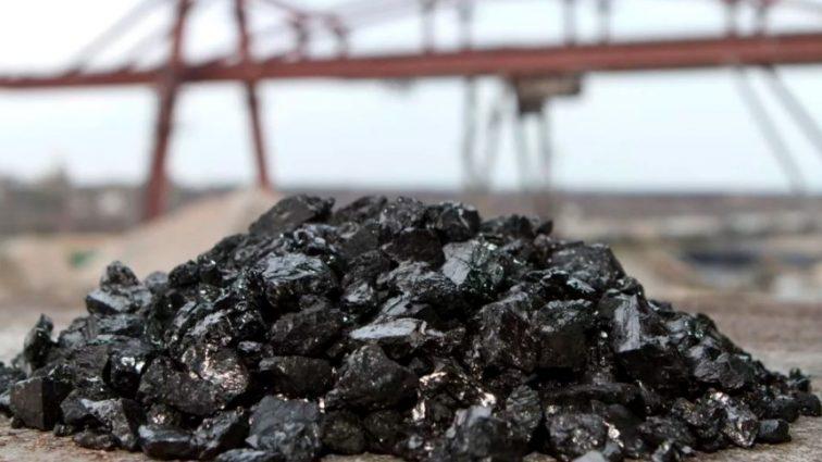 РФ визнала, що продає вугілля з окупованого Донбасу