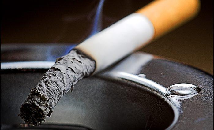 Всі кинуть палити: ціни на сигарети «вб'ють» виробництво в Україні