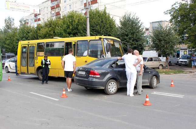 "40% ""маршруток"" у Києві незаконні – КМДА"