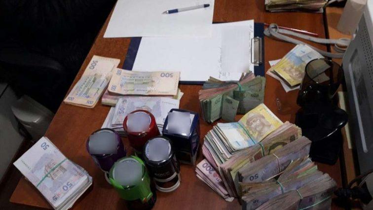 Там було все! Податківці ліквідували конвертаційний центр з обігом щонайменше 430 млн грн.