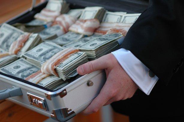 Грошовий рай: найгучніші корупційні скандали в Україні