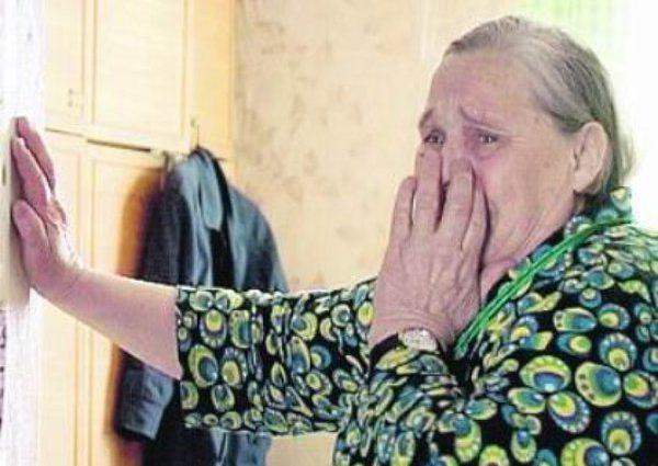 Сувеніри замість грошей: як вигадлива листоноша обкрадала пенсіонерів