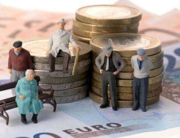 Почали збір підписів: українців хочуть позбавити пенсій