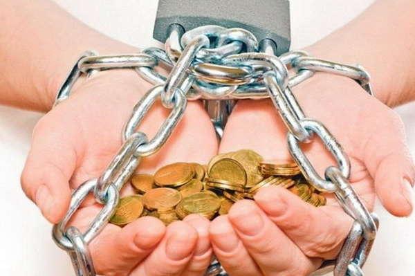 """""""4,5 тис. доларів боргу…"""": Стало відомо, скільки повинен сплатити кожен працюючий українець"""