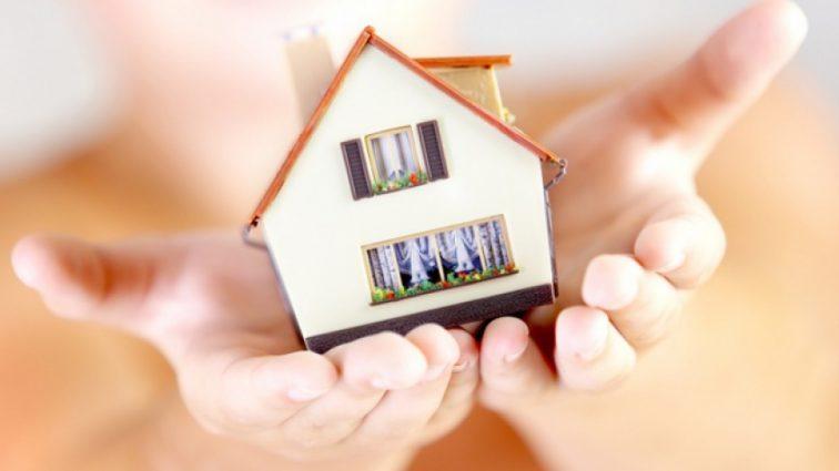 Уряд хоче врегулювати оренду житла в Україні: що треба знати
