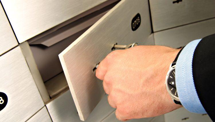 Приватизація банків: плюси та мінуси і чого очікувати вкладникам