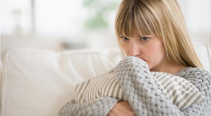 Грошей буде менше: Кабмін ускладнив життя матерям-одиначкам