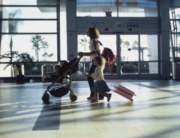 Дозвіл суду на виїзд дитини за кордон є одноразовим