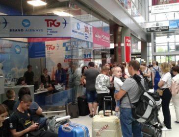 Сотні українських туристів застрягли в Тунісі: що відбувається