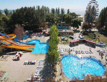 """""""Привабливі ціни та великий вибір розваг"""": чим здивує туристів курорт Скадовськ на Херсонщині"""