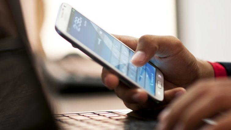 """""""Платити прийдеться ще більше!"""": Відомі мобільні оператори приготували українцям неприємний сюрприз"""