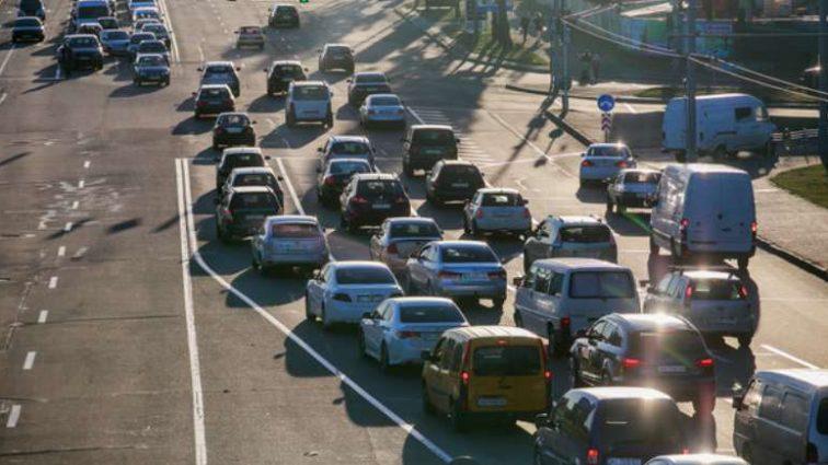 """""""Значно полегшує рух"""": держава планує побудувати перехоплюючі автостоянки"""