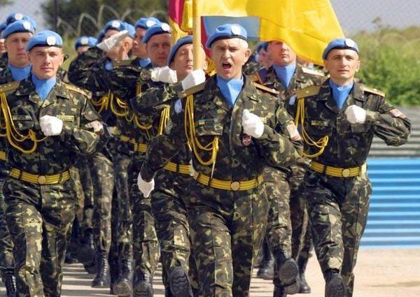 Порошенко пообіцяв військовим підвищити їх зарплати в 2019 році
