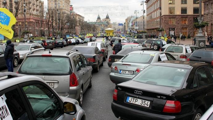 """Всеукраїнський страйк і перекриті траси: власники """"євроблях"""" пригрозили паралізувати Україну"""