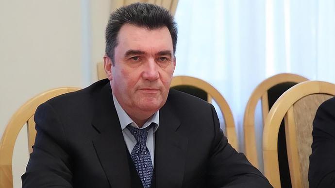 РНБО ввела санкції ще проти трьох контрабандистів – німця та українців